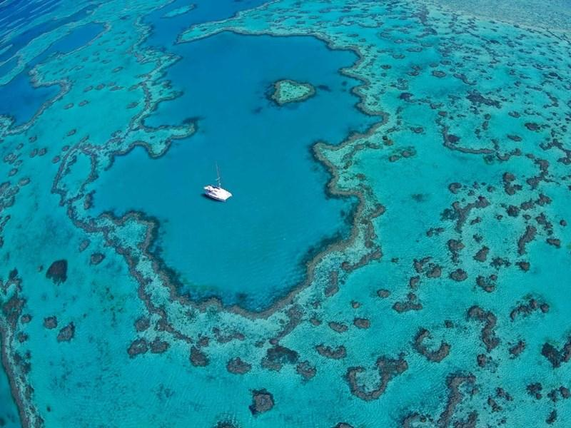 heart-reef-and-boat-landscape